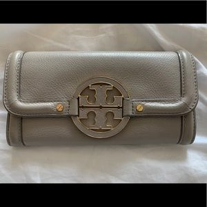 Tory Burch Amanda Continental envelope wallet